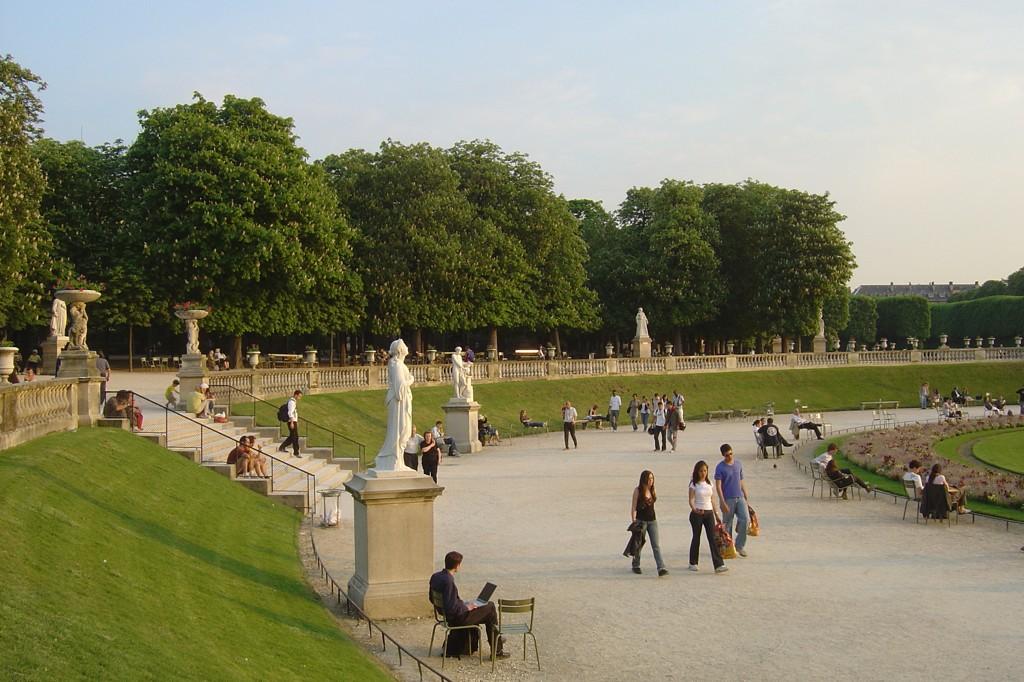 Les endroits romantiques paris selon moi la route for Arbres jardin du luxembourg